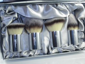 It-Cosmetics-Buki-Brush-Box-Holiday-Collection
